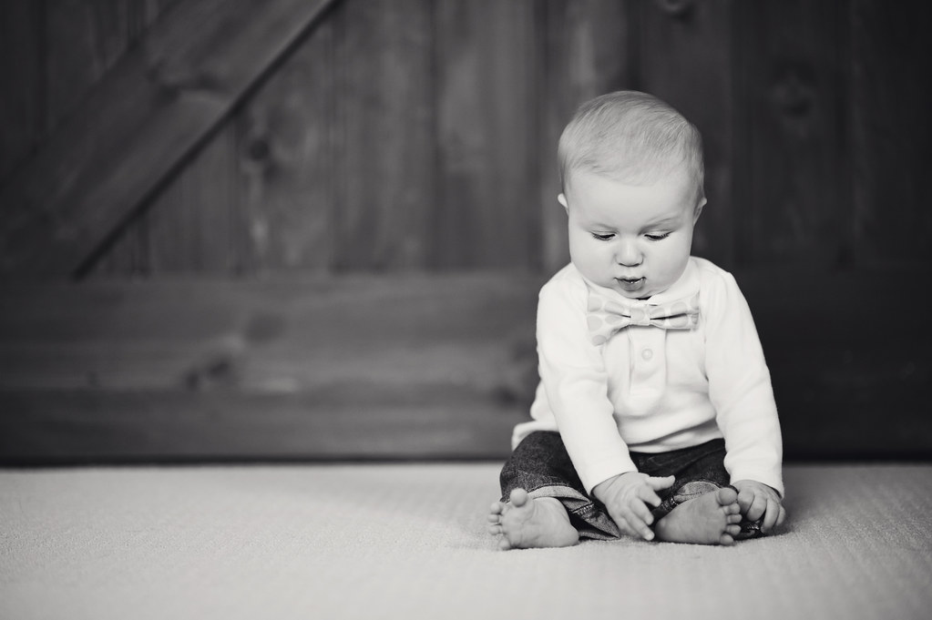 Hudsonville 6 Month Baby Photographer