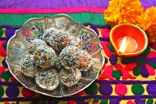 Date and Nut Laddus/Balls