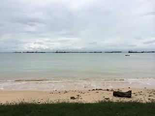 East Coast Park Area G 268 मीटर की लंबाई के साथ समुद्र तट की छवि.