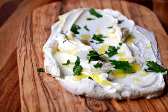 Labneh (cream cheese) recipe (3)