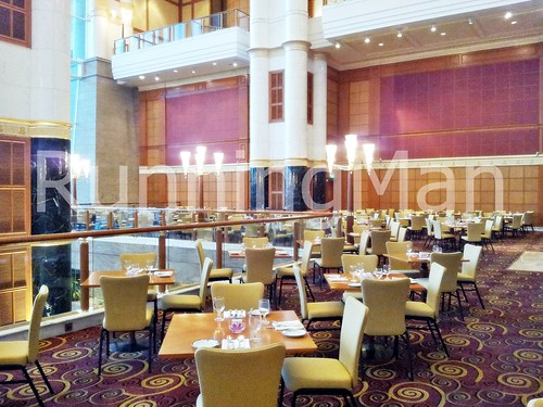 The Empire Hotel And Country Club 07 - Atrium Cafe Dining