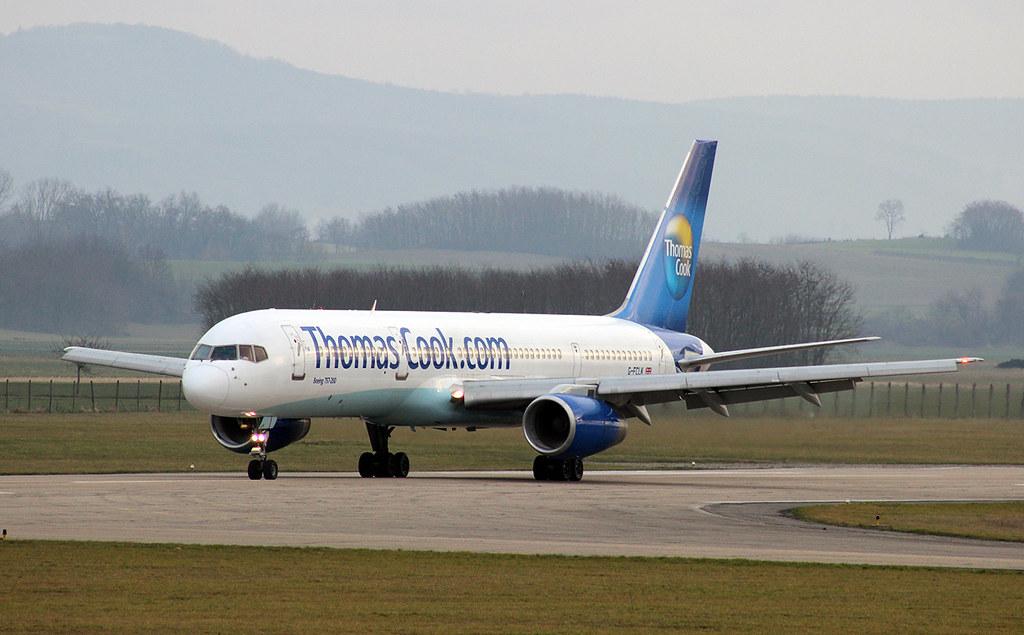 Aéroport de Grenoble-Isère [LFLS-GNB] 11928716976_67e63c98df_b
