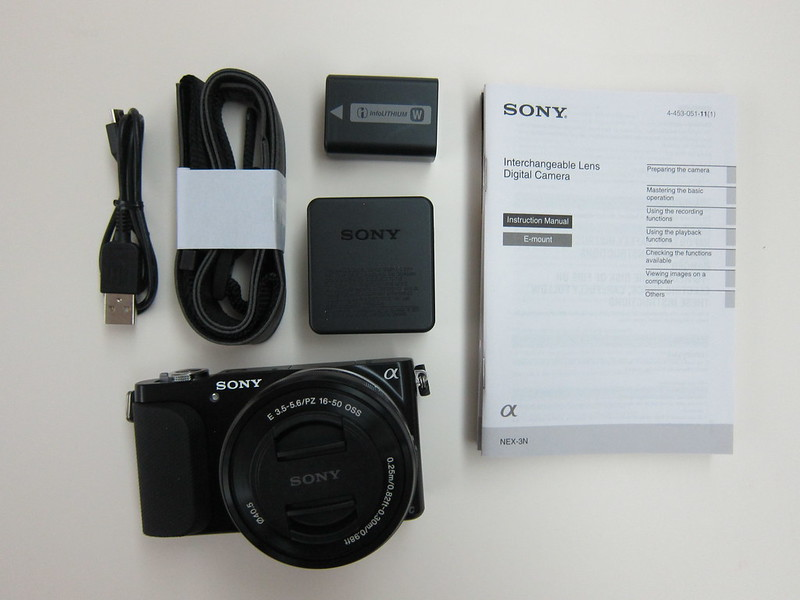Sony NEX-3N - Box Contents