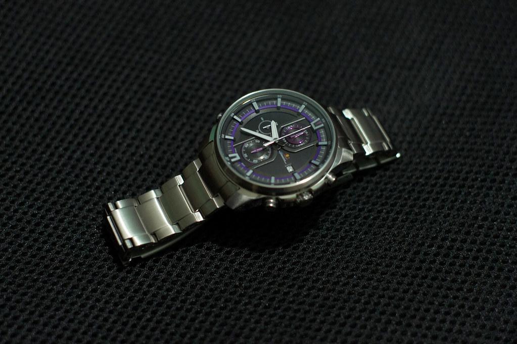 Bán đồng hồ Casio efr-533D mới mua 99%