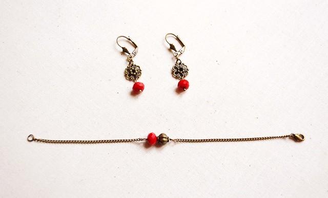bijoux bracelet et boucles d'oreilles Off