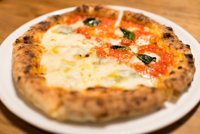 PIZZERIA & CAFE DOMUS ORUSO ピザ