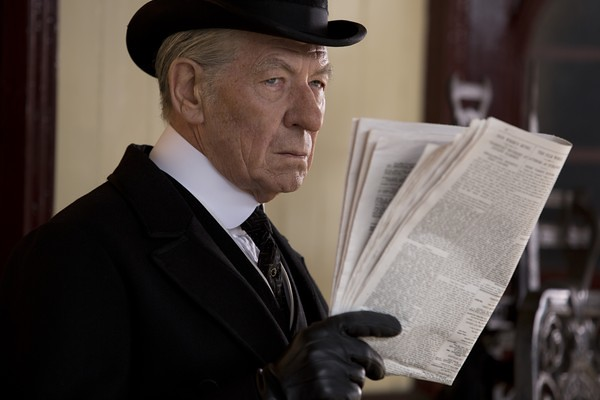 Ian McKellen struggles with age and investigation in MR. HOLMES.