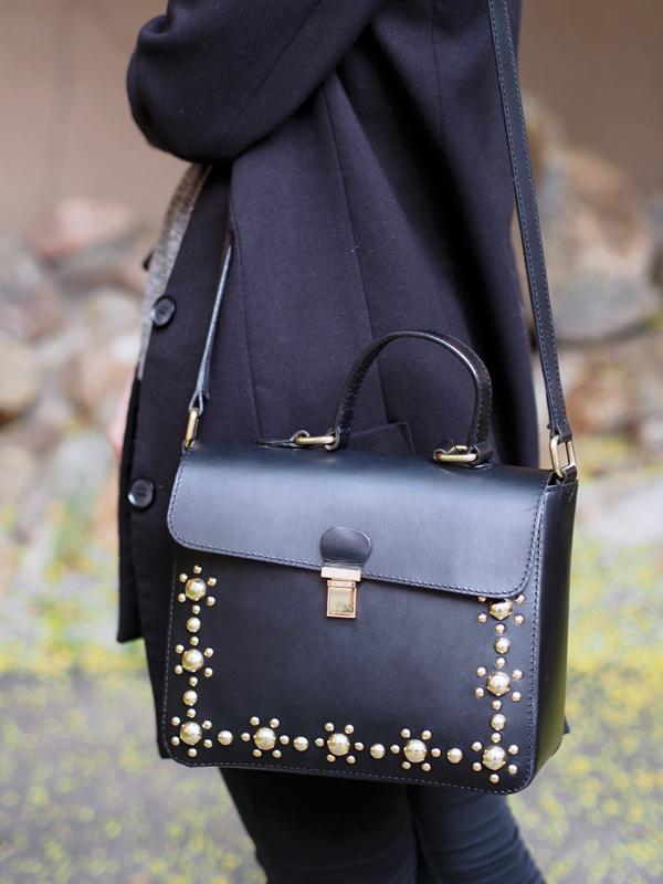 kultamusta laukku