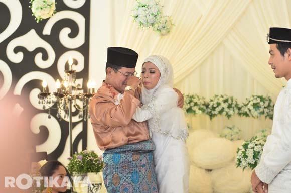 8923136412 dded7617d6 o Gambar Perkahwinan Izzue Islam dan Awin Nurin