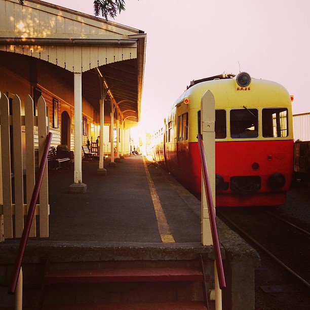 Sunset Express. || #trainstation #yeolde