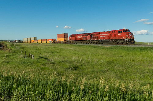 railroad canada hat train pacific jaw moose canadian medicine swift saskatchewan cp current chemin fer 205 subdivision ernfold