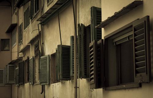Esercizio fotografico a tema porte e finestre 1 total - Porte e finestre firenze ...