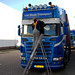 Small photo of Montage zonneklep Scania Van Baak Transport
