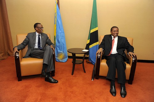 President Kagame and President Kikwete hold talks on the sidelines of the ICGLR Summit- Kampala, 5 September 2013