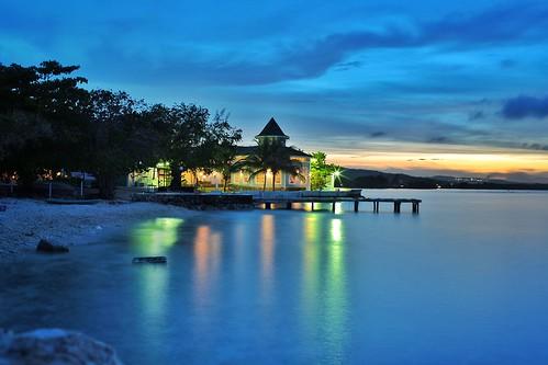 ocean sunset water night 35mm canon landscape grill jamaica ochorios bahiaprincipe runawaybay jerkcenter 5dmk3 davingphotography snapseed