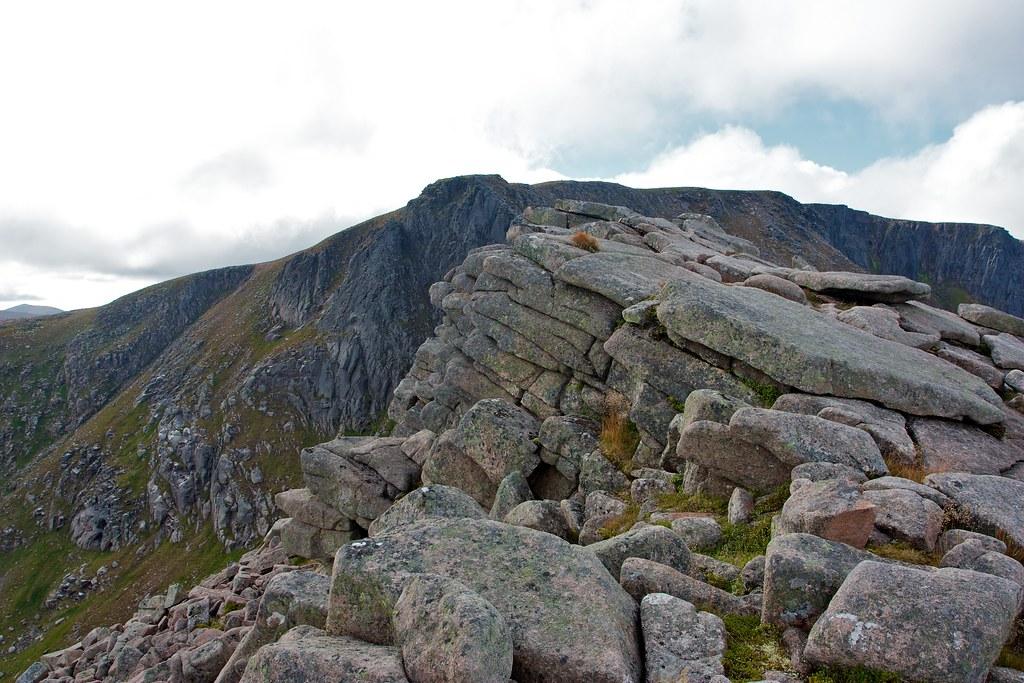 Lower Fiacaill Ridge