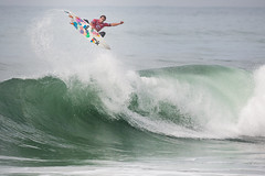 Last year's Rip Curl Pro Portugal champ Julian Wilson lost a close battle in the quarters vs. Parko.