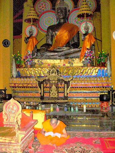 Vientiane 2007-Wat Ong Teu (4)