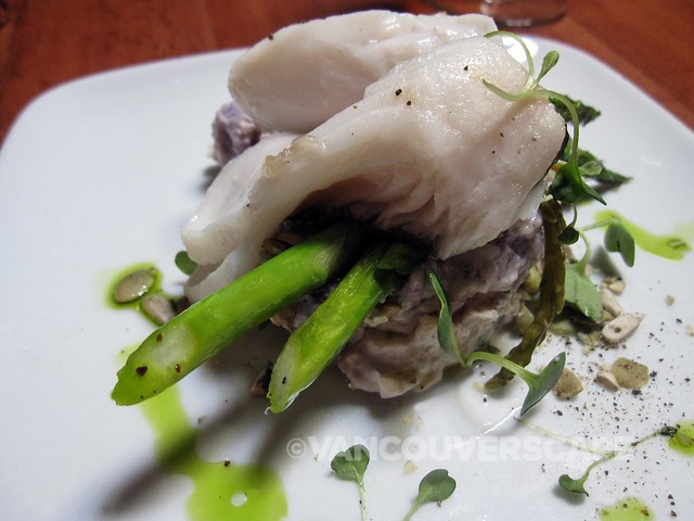 Cuchillo's pan-roasted BC sablefish, asparagus y sea bean causa