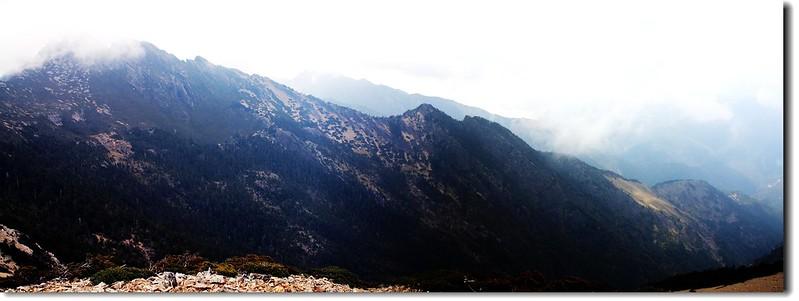 玉山南峰、鹿山連稜(From東小南山)