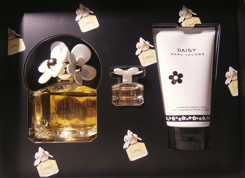 Marc-Jacobs-Daisy-set