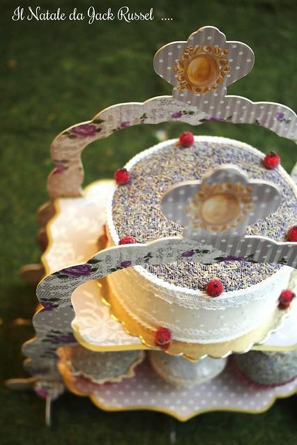 Alzatine per dolci modulabili, in cartone stampato