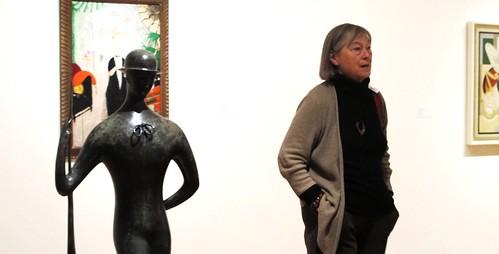Señora que entiende de arte