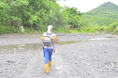 與kanew走在麗太溪,圖片來源:劉軒含
