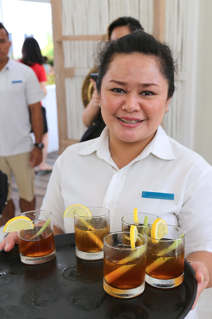 Warm Indonesian hospitality - a nice welcome drink served with a smile