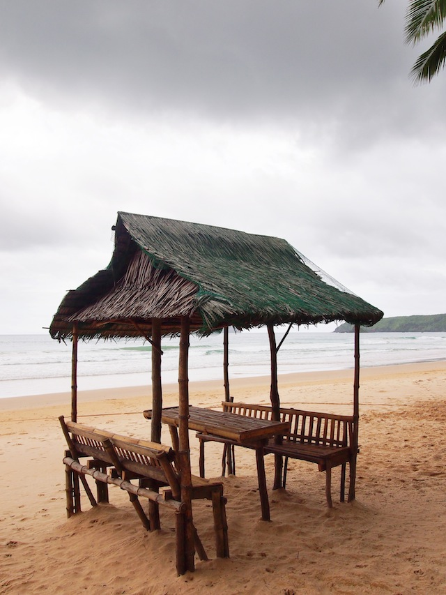 El Nido Nacpan beach hut