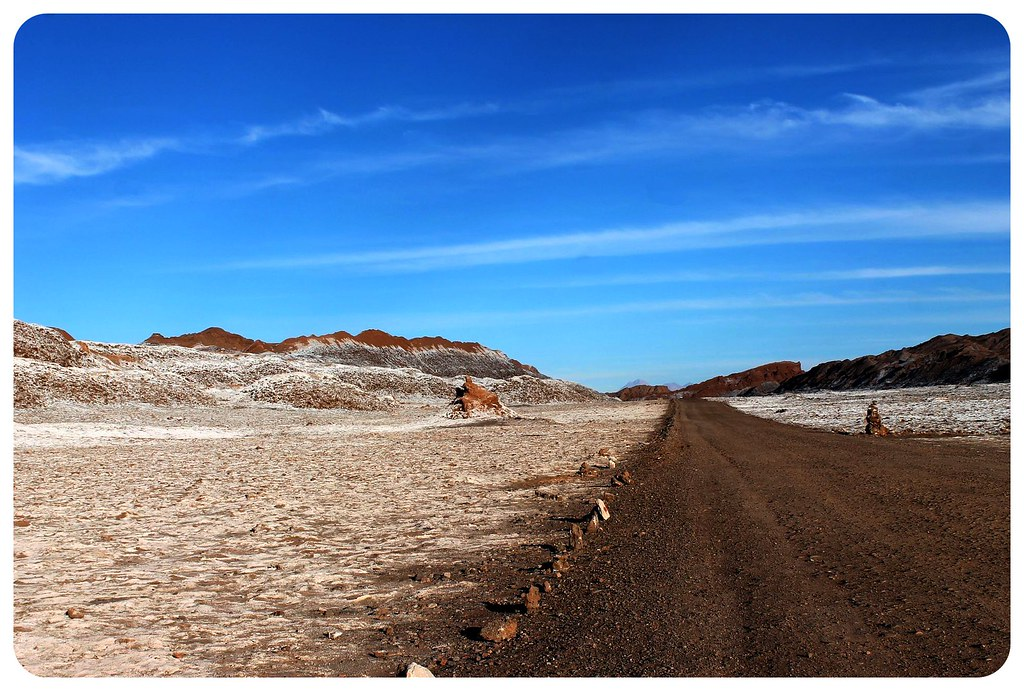 valle de la luna atacama desert saltine landscape with road