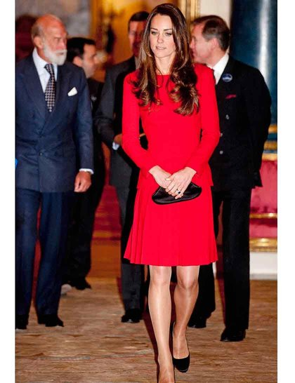 catherine-duchess-cambridge-reception-dramatic-arts-rexjpg_AlexanderMcQueen