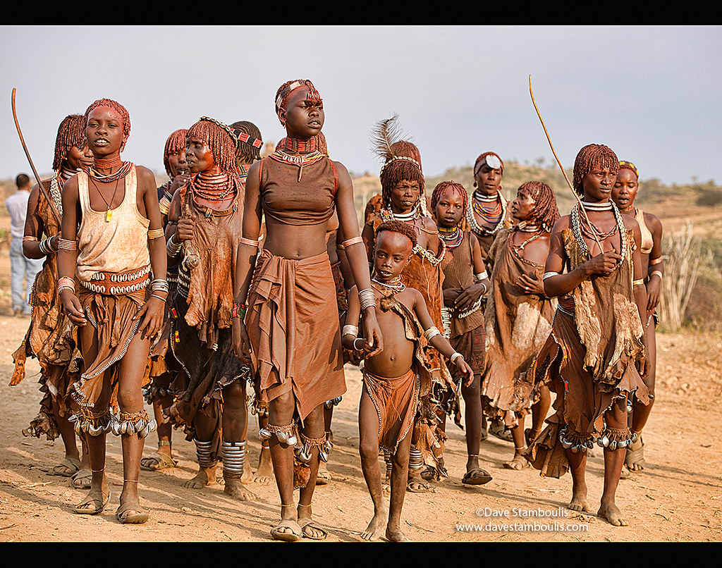 ... Ethiopia Hamer women dancing at a bull jumping ceremony near Turmi in  the Omo Valley, Ethiopia