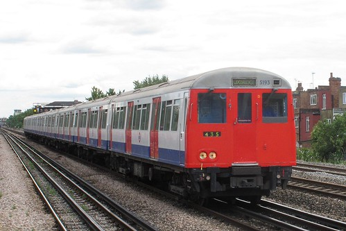 LUL 5193 at Dollis Hill, 30.6.2011