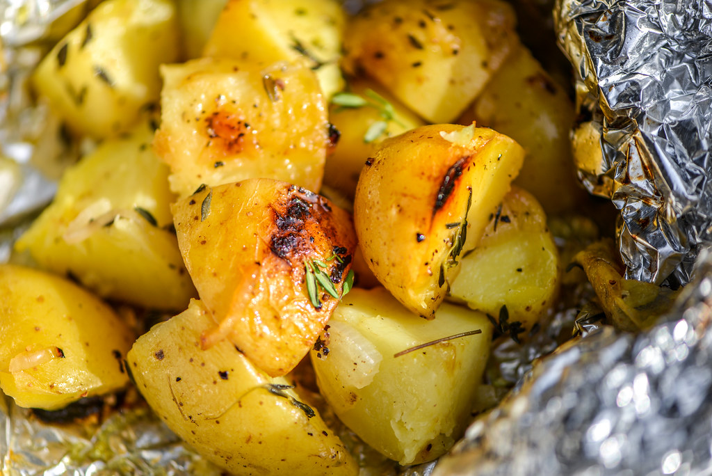 Foil-Wrapped Potatoes With Shallots, Lemon, and Thyme