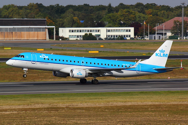 KLM - E190 - PH-EZT (1)