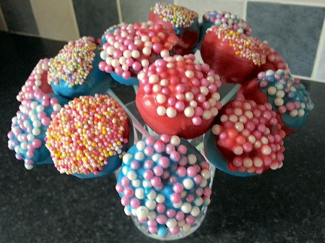 Making chocolate cake pops with mini Smarties