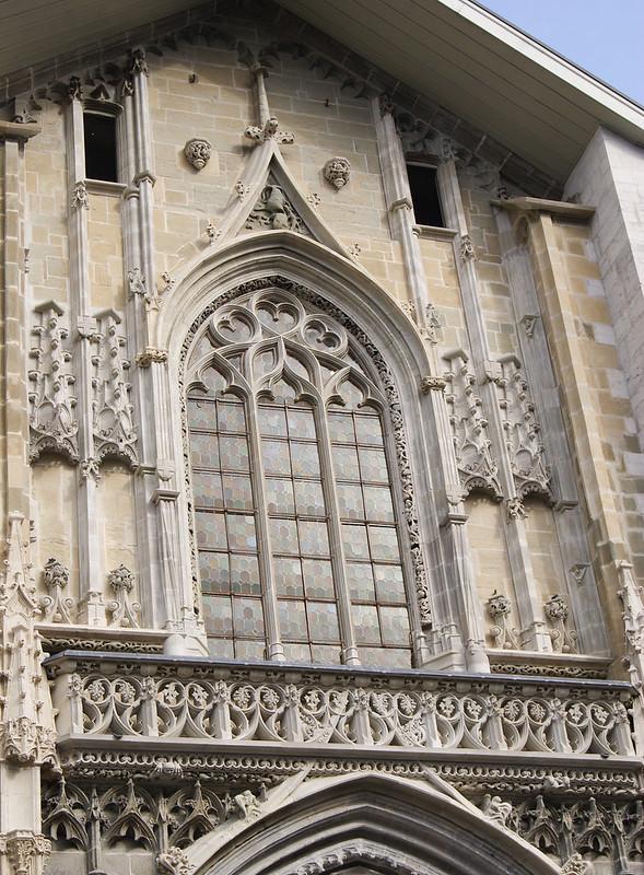 Fronton de la cathédrale Saint-François-de-Sales