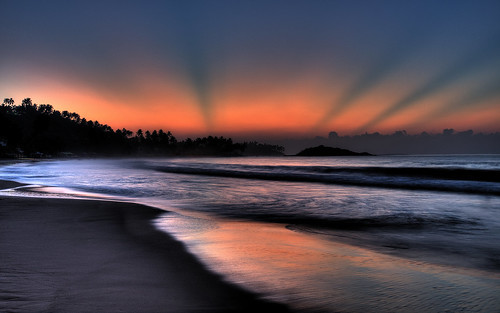 beach sunrise srilanka mirissa paradisebeachclub