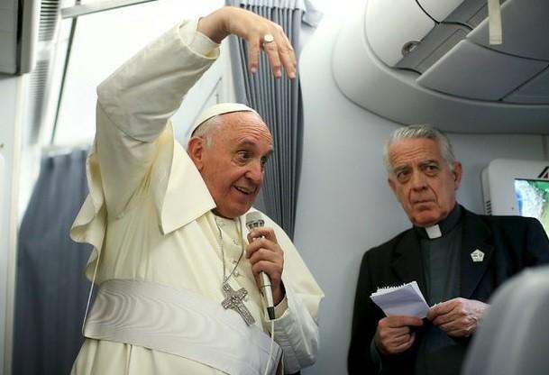 Analizará el Papa críticas en EU contra su anticapitalismo