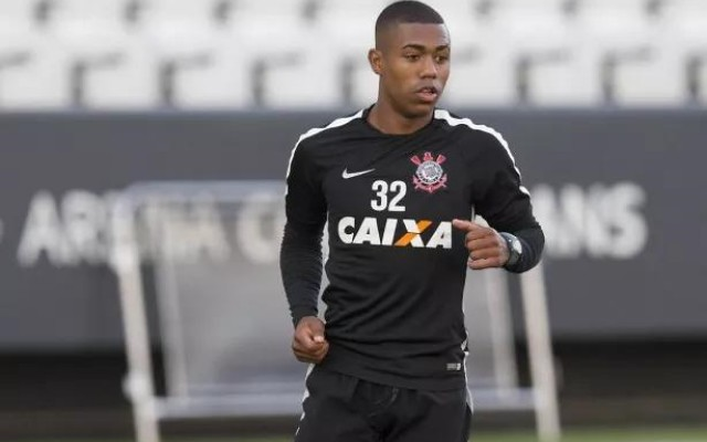 Segundo jornal portugu�s, Benfica quer Malcom e ofereceu R$ 24 milh�es ao Corinthians