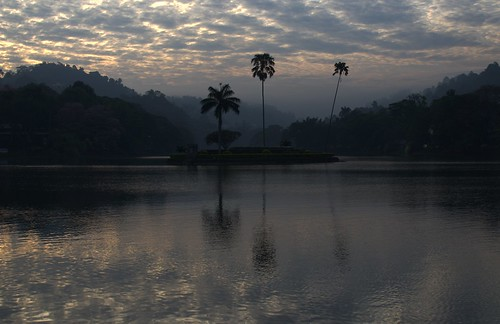kandy lago lake nikond7000 water landscape panorama alba sunrise sky clouds nuvole