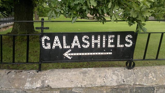 <---- Galashiels
