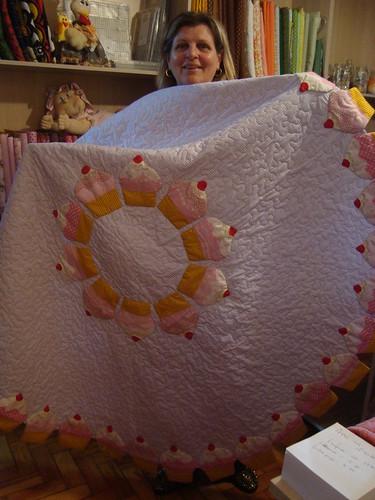 Aluna e toalha pronta pra ser usada by Maringá Patchwork by Ruth Urbinati