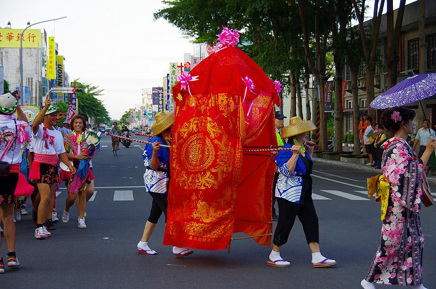 街頭嘉年華遊行 (圖多)