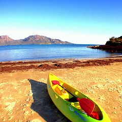 Australian proverb 'if there's   another soul on the beach, find another beach'  @discovertasmania @australia #freycinet #travel #kayak #activefoodie #wholefoodsmarket #saffirelodge