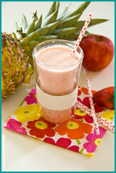Smoothie ananas e fragola