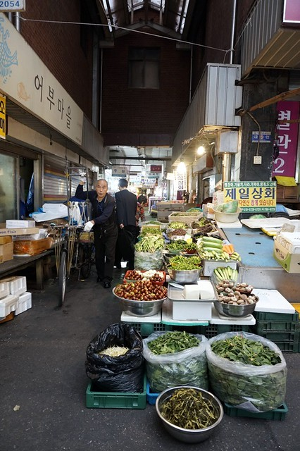 Gwangjang Traditional Market in Korea - rebeccasaw blog-017