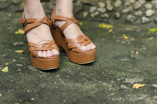 pill-footwear