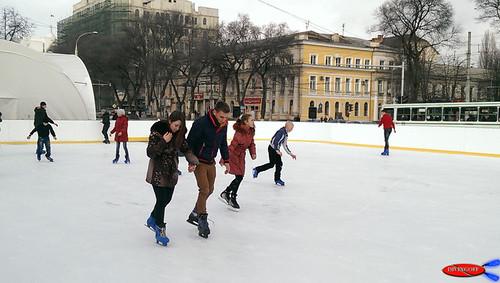 boy snow girl md europe eu chisinau moldova skiting htconemini
